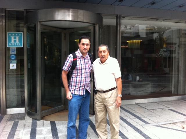 Crédito Arquivo pessoal. Bruno Freitas ao lado de Alcides Ghiggia 0e952afb277