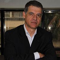 Resultado de imagem para Marcelo Molnar é formado em Química Industrial, pela Faculdade Oswaldo Cruz