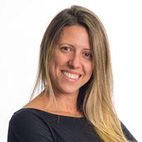 Resultado de imagem para Bianca Caldeira é especialista em comunicação corporativa,